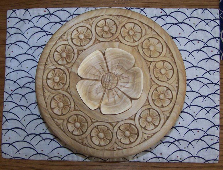 Carved lid