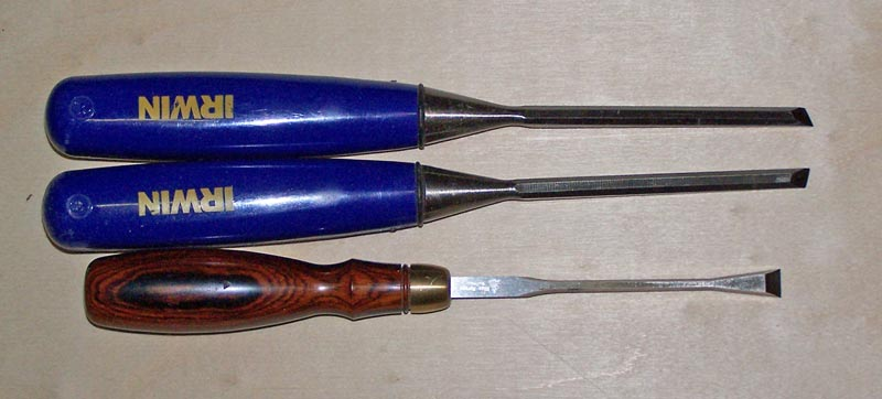Special chisels for cleaning the tail sockets