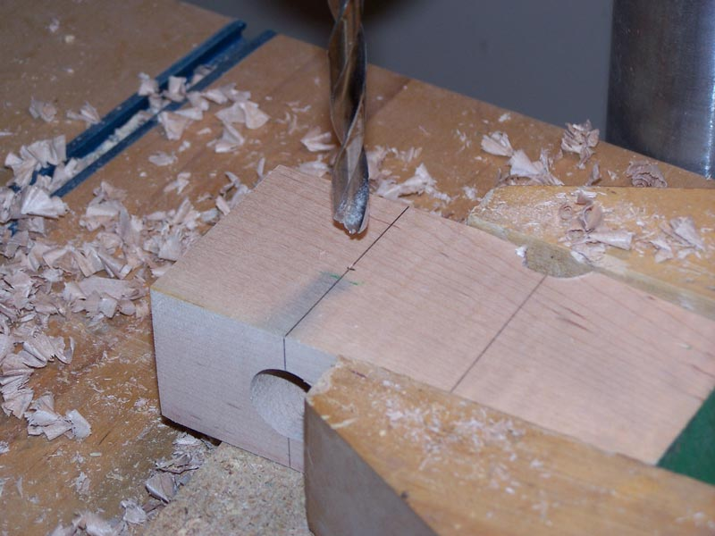 Drill the jig hole for the handle